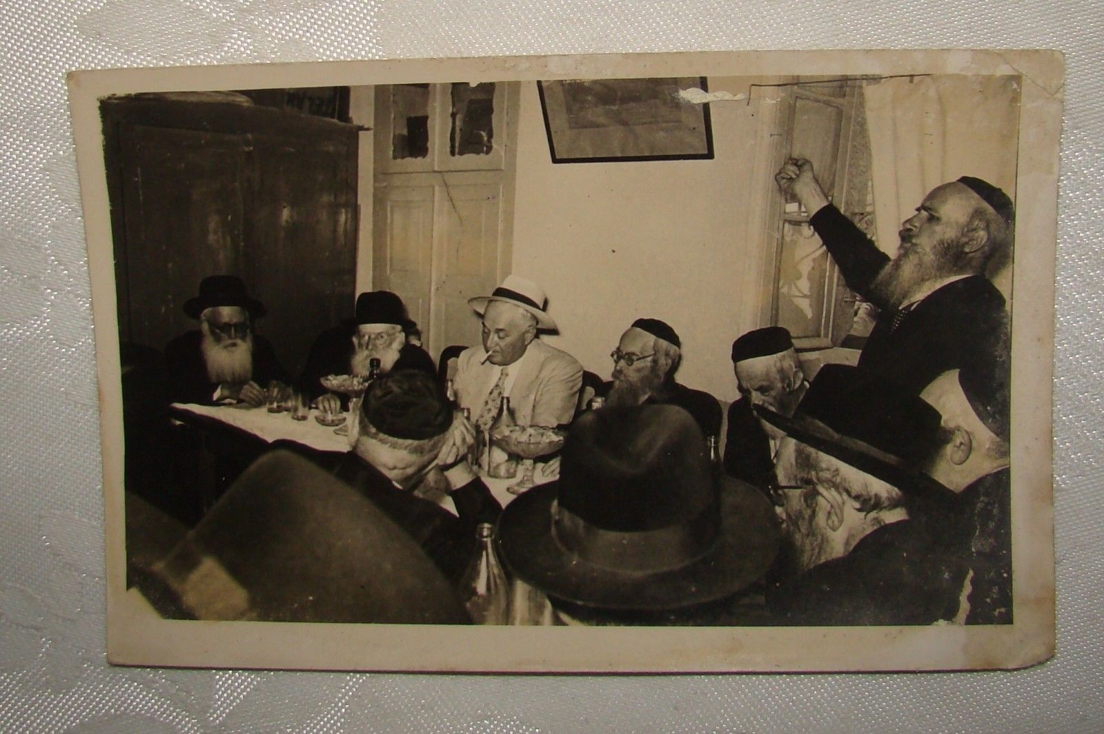 Jewish-judaica-rabbi-photo-Jerusalem-synagogue-yeshiva.jpg